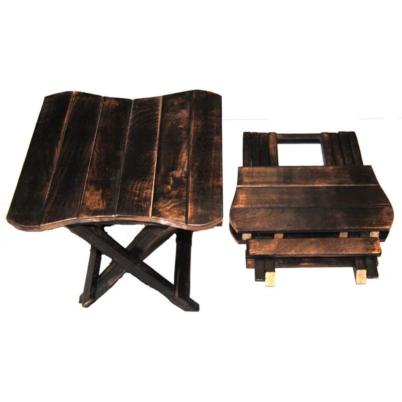 Petite Table en Bois