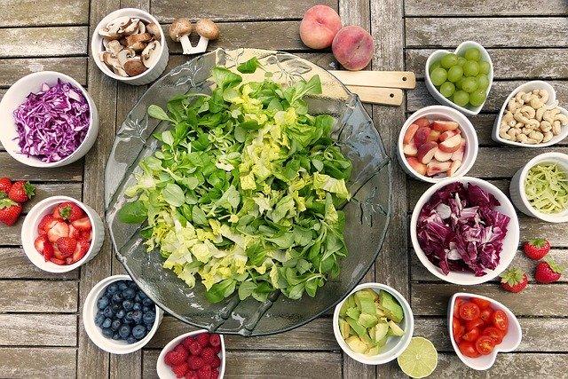 Un bon repas composé de produits frais, locaux, de saison et variés